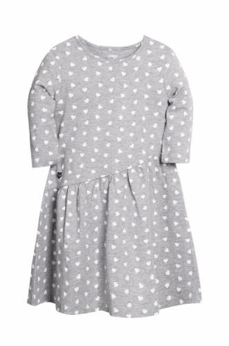 Платье для девочки р.146, серый меланж с сердечками UMKA
