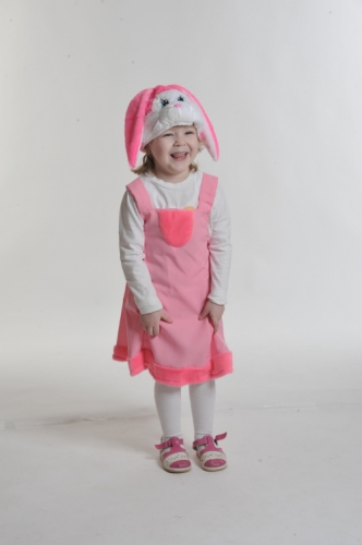 Карнавальный костюм Зайка розовая ткань-плюш (сарафан, маска) 3-6 лет